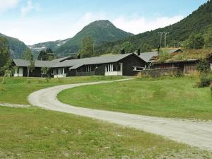 Three Bedroom Holiday home in Sogndal 5