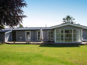 Three-Bedroom Holiday home in Kirke Hyllinge 2, Ferienhäuser  Kirke-Hyllinge - big - 9