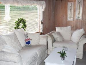 Three-Bedroom Holiday home in Kirke Hyllinge 2, Ferienhäuser  Kirke-Hyllinge - big - 3