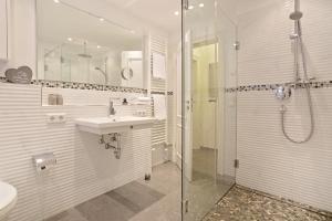 Landhaus _Berthin_Bleeg_ App_ 4 Bu, Appartamenti  Wenningstedt - big - 26