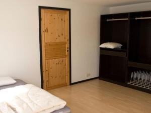 Five-Bedroom Holiday home in Örkelljunga, Ferienhäuser  Åsljunga - big - 27