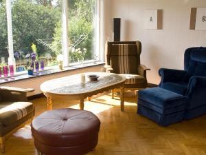 Five-Bedroom Holiday home in Örkelljunga, Ferienhäuser  Åsljunga - big - 14