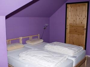 Five-Bedroom Holiday home in Örkelljunga, Ferienhäuser  Åsljunga - big - 12