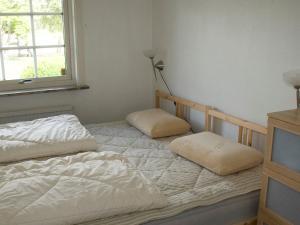 Five-Bedroom Holiday home in Örkelljunga, Ferienhäuser  Åsljunga - big - 5