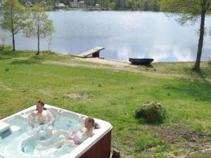 Five-Bedroom Holiday home in Örkelljunga, Ferienhäuser  Åsljunga - big - 37