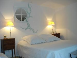 Lou Ventoulet, Bed and Breakfasts  Mouriès - big - 4