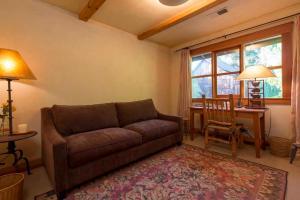 430 Pratt Avenue Villa Villa, Vily  Krug - big - 6