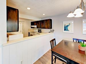 039211 Hwy 6 Condo Unit C106 Condo, Appartamenti  Harrison - big - 2
