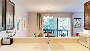 039211 Hwy 6 Condo Unit C106 Condo, Appartamenti  Harrison - big - 7