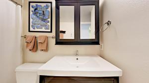 039211 Hwy 6 Condo Unit C106 Condo, Appartamenti  Harrison - big - 13