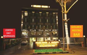Hotel Golden Grand, Отели  Нью-Дели - big - 1