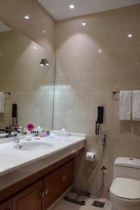 Novotel Suites Riyadh Dyar, Hotel  Riyad - big - 76
