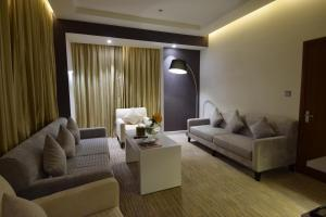 Novotel Suites Riyadh Dyar, Hotel  Riyad - big - 11