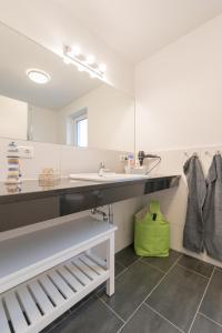 Ferienwohnungen Rosengarten, Apartments  Börgerende-Rethwisch - big - 106