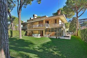 Villa Benny, Nyaralók  Lignano Sabbiadoro - big - 1