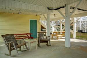 Sans Souci, Дома для отпуска  Holden Beach - big - 4