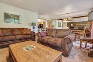 Redcedar 17 Holiday Home, Dovolenkové domy  Sunriver - big - 2