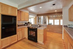 Grouse 6 Holiday Home, Case vacanze  Sunriver - big - 5