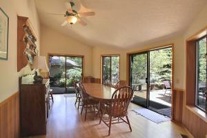 Grouse 6 Holiday Home, Case vacanze  Sunriver - big - 6