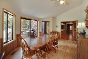 Grouse 6 Holiday Home, Case vacanze  Sunriver - big - 9