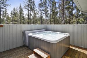 Bunker 26 Holiday Home, Case vacanze  Sunriver - big - 8