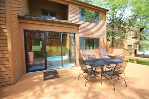 Redcedar 17 Holiday Home, Nyaralók  Sunriver - big - 9