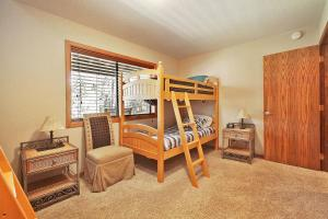 Loon 13 Holiday Home, Дома для отпуска  Sunriver - big - 19