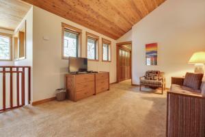 Redcedar 17 Holiday Home, Nyaralók  Sunriver - big - 34