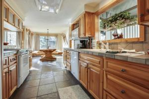 Look Out Lane 8 Holiday Home, Holiday homes  Sunriver - big - 11