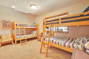 Loon 13 Holiday Home, Дома для отпуска  Sunriver - big - 20
