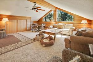 Loon 13 Holiday Home, Дома для отпуска  Sunriver - big - 23