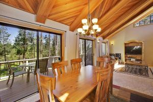 Loon 13 Holiday Home, Дома для отпуска  Sunriver - big - 30
