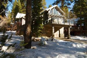 Tahoe Getaway, Holiday homes  Incline Village - big - 9