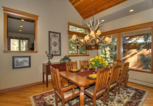 Tahoe Getaway, Holiday homes  Incline Village - big - 6
