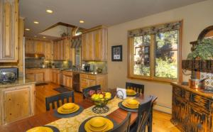 Tahoe Getaway, Holiday homes  Incline Village - big - 16