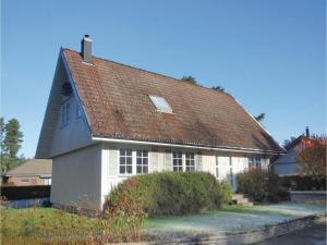 Three Bedroom Holiday Home in Ahus