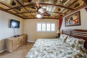 #223 At Surf Song Resort, Apartments  St Pete Beach - big - 18