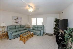 #229 At Surf Song Resort, Apartmány  St Pete Beach - big - 12