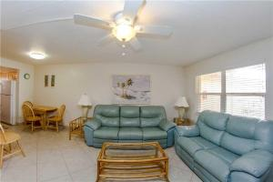 #229 At Surf Song Resort, Apartmány  St Pete Beach - big - 11