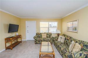 #118 At Surf Song Resort, Apartmány  St Pete Beach - big - 18