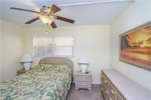 #118 At Surf Song Resort, Apartmány  St Pete Beach - big - 17