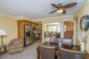 #118 At Surf Song Resort, Apartmány  St Pete Beach - big - 13