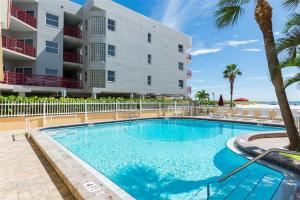 #222 At Surf Song Resort, Apartments  St Pete Beach - big - 10