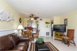 #228 At Surf Song Resort, Apartmány  St Pete Beach - big - 21