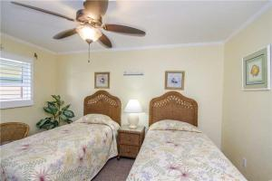 #228 At Surf Song Resort, Apartmány  St Pete Beach - big - 16