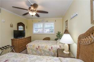 #228 At Surf Song Resort, Apartmány  St Pete Beach - big - 10