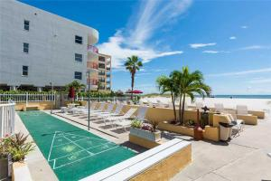 #228 At Surf Song Resort, Apartmány  St Pete Beach - big - 9
