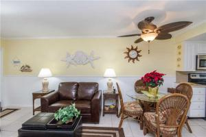 #228 At Surf Song Resort, Apartmány  St Pete Beach - big - 8