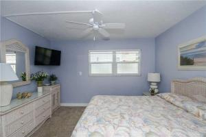 #120 At Surf Song Resort, Apartmány  St Pete Beach - big - 23