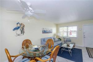 #120 At Surf Song Resort, Apartmány  St Pete Beach - big - 6